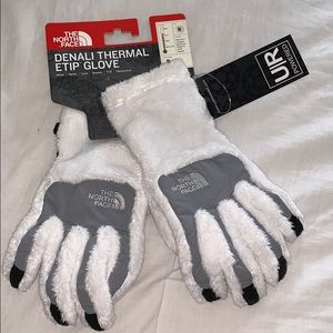 BNWT women's North Face Denali Gloves
